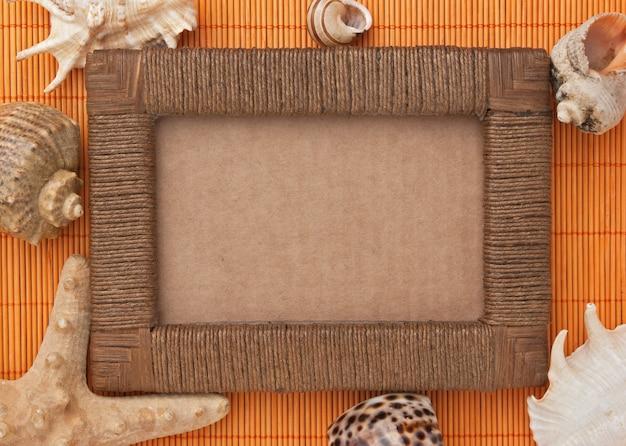 Fotorahmen von matten und muscheln
