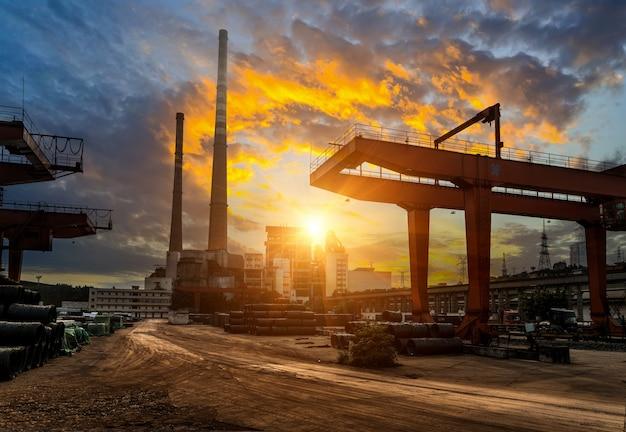 Frachtterminals und kraftwerke in china