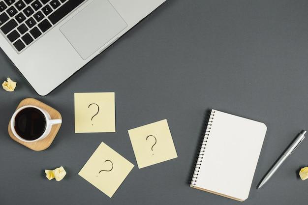 Fragen, entscheidungen, arbeiten mit kunden.