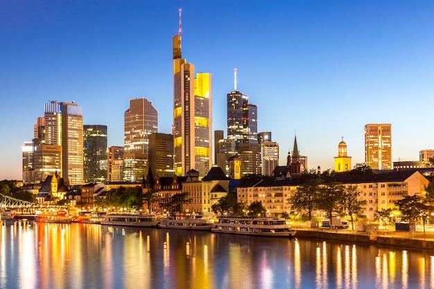 Frankfurt wolkenkratzer deutschland dämmerung
