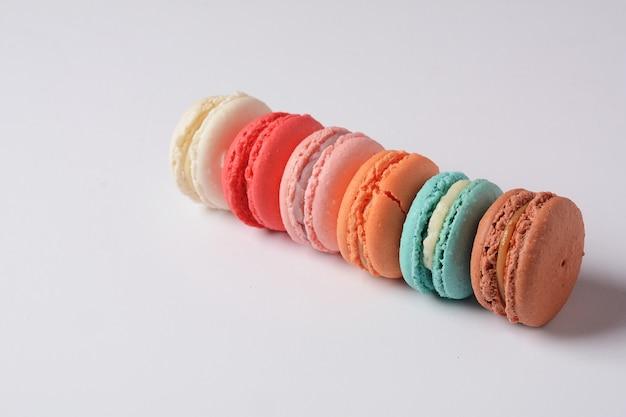 Französische bunte macarons zum nachtisch