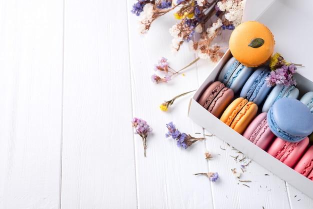 Französische bunte macarons