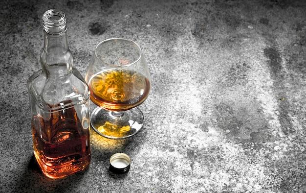 Französischer cognac in snifter.