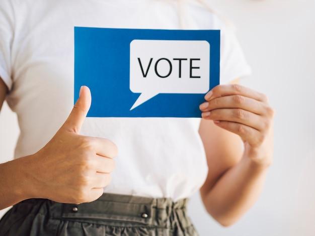 Frau bereit zu stimmen