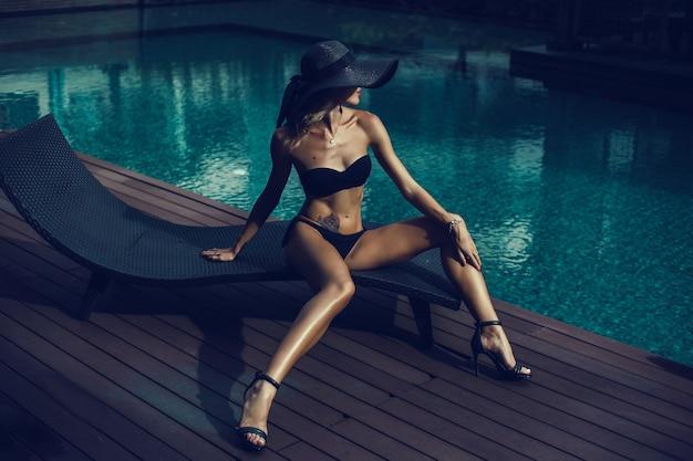 Frau bikini