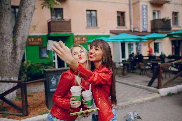 Frau, die ein selfie