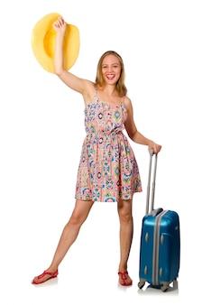 Frau, die für sommerferien auf weiß sich vorbereitet