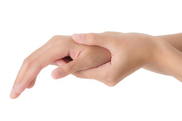 Frau, die ihr handgelenk hält und im schmerzbereich lokalisiert auf weißem hintergrund massiert