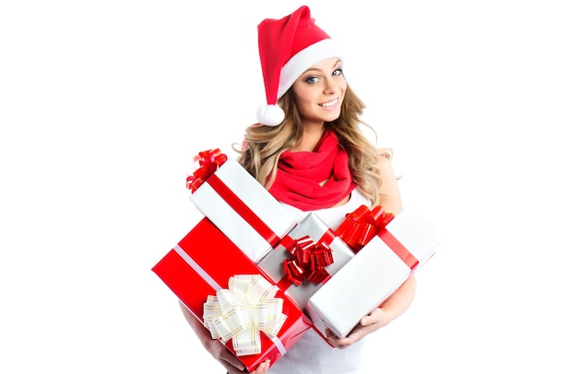 Frau, die viele geschenkboxen hält.