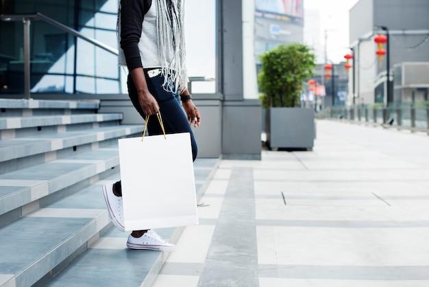 Frau gerne einkaufen