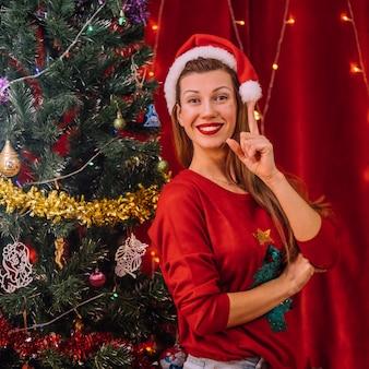 Frau hat idee für geschenke am neujahrstag