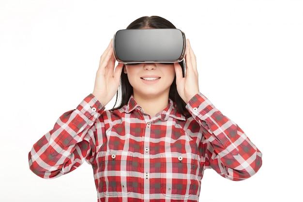 Frau in gläser virtueller realität.