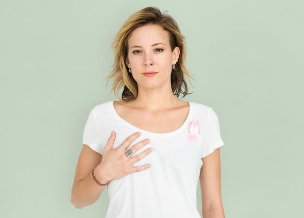 Frau lächelnd glück brustkrebs-bewusstsein-portrait