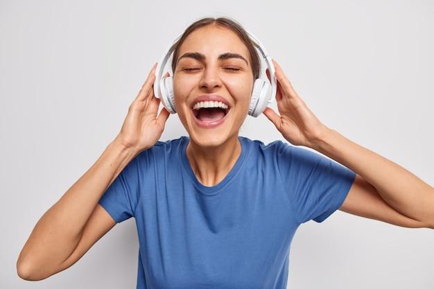 Frau mag coole playlists