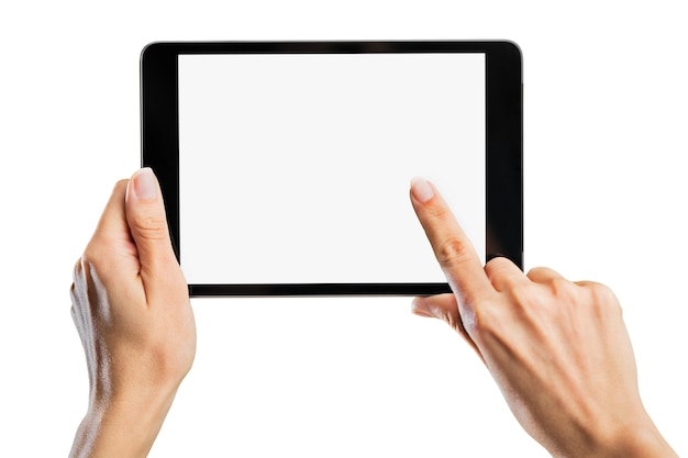 Frau mit digitalem tablet im hintergrund