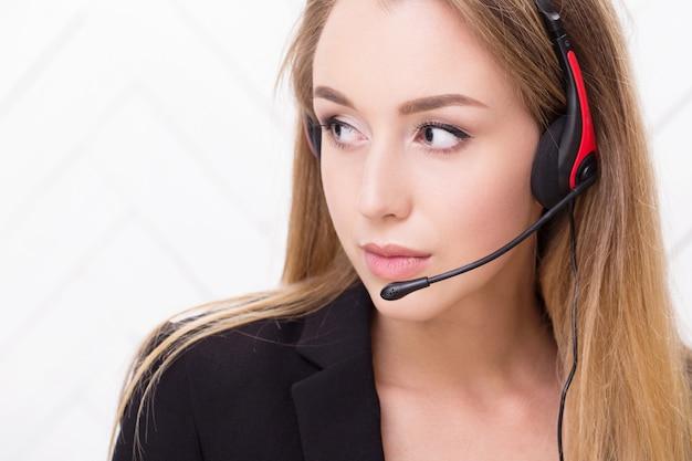 Frau mit einem headset