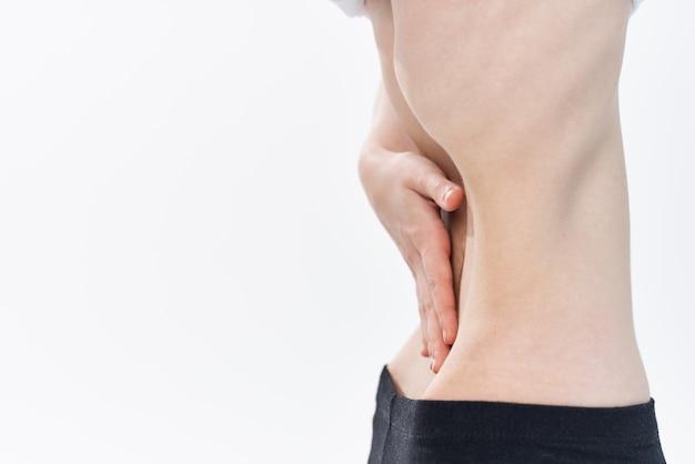 Frau mit flacher bauchdiät anorexie gewichtsverlust