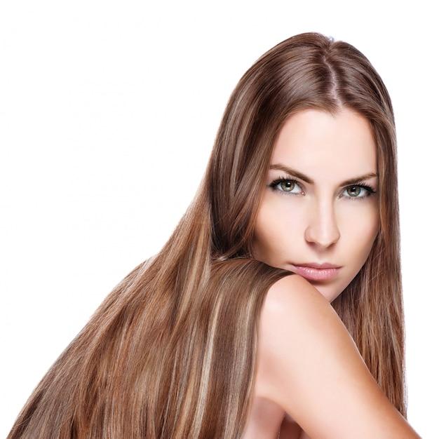 Frau mit glatten langen haaren