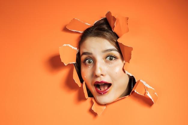 Frau mit kreativem make-up