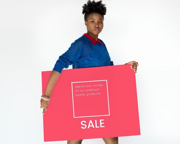 Frau mit netzwerkgrafik-overlay-banner