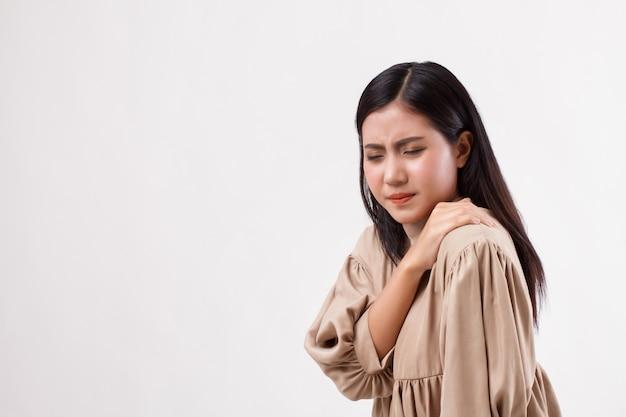 Frau mit schulter- oder nackenschmerzen, steifheit, verletzung