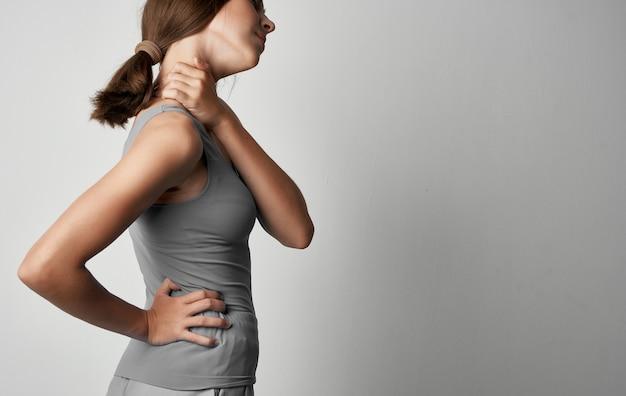 Frau mit unglücklichem gesichtsausdruck gesundheitsprobleme schmerzdepression