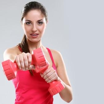 Frau während des trainings