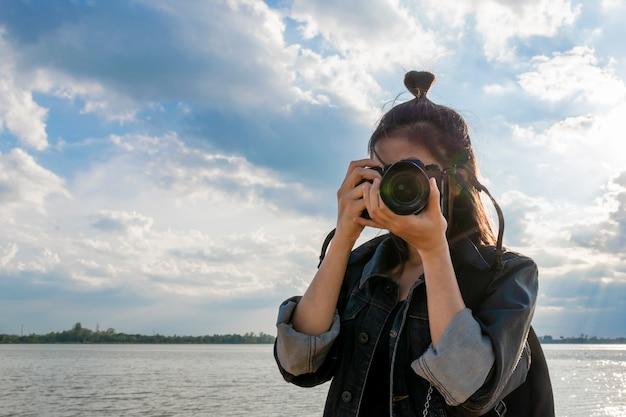 Frauen, die ein foto machen