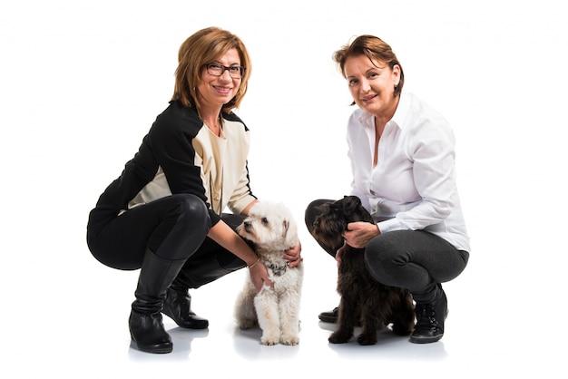 Frauen mit ihren hunden