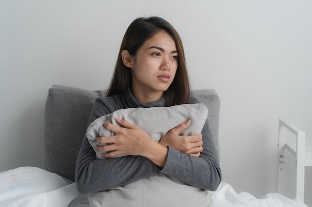 Frauen sind besorgt über gesundheitliche probleme