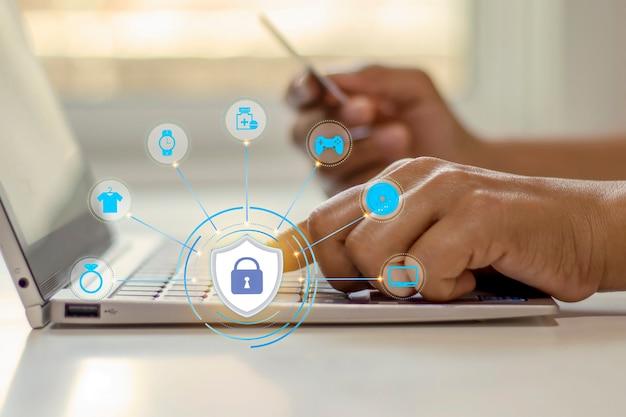 Frauen wählen den besten schutz für ihre internet-shopping- und online-geschäftssicherheitsideen.