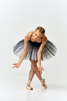 Frauenballerina tanzendes ballett