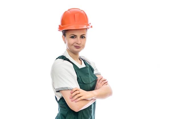 Frauenbauer im helm lokalisiert auf weiß