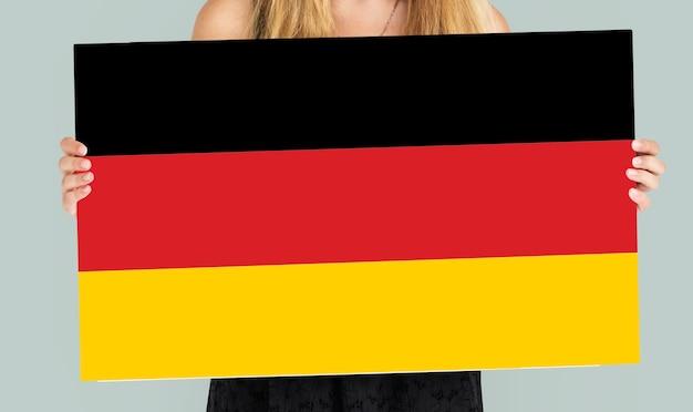 Frauenhände halten deutschland deutschland flagge patriotismus