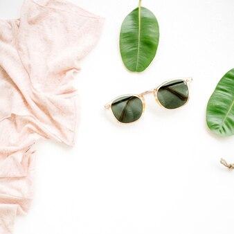 Frauenkleider und accessoires