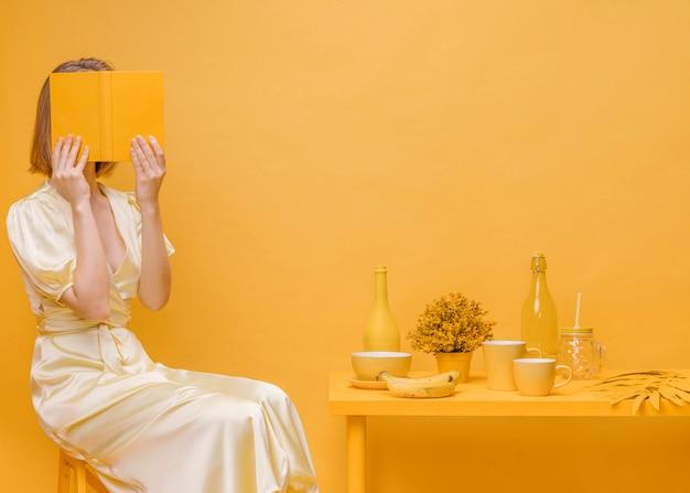 Frauenlesebuch in der gelben szene