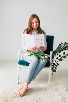 Frauenlesegrußkarte mit ich liebe mammaaufschrift