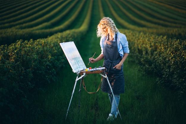 Frauenmaler auf einem gebiet