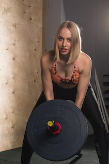 Frauentraining mit langhantel