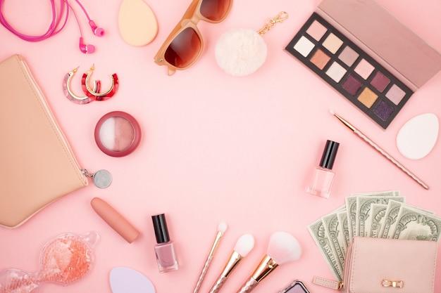 Frauenzubehör, kosmetik, schönheitsprodukte und geld