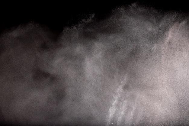 Freeze bewegungsexplosion von weißem pulver.