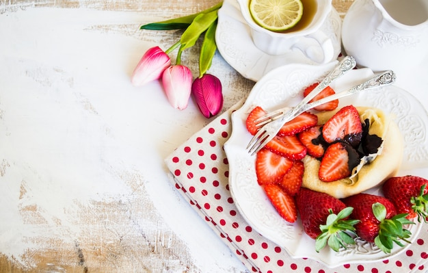 Freh erdbeeren und crepes