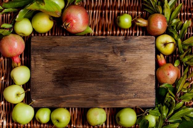 Freier platz der gartenäpfel für text. ernte.
