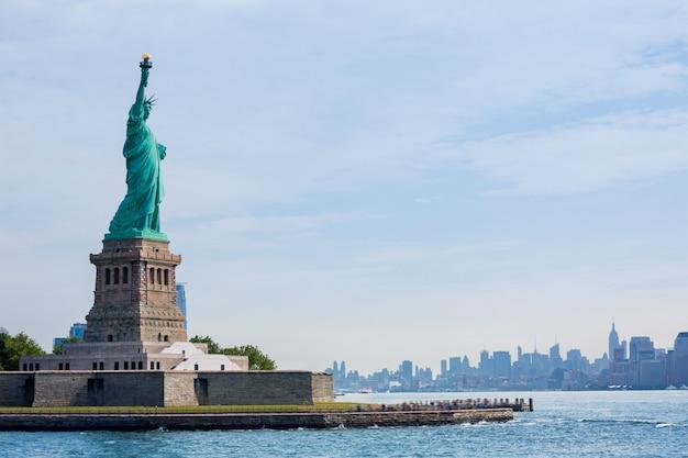 Freiheitsstatue new york und manhattan usa