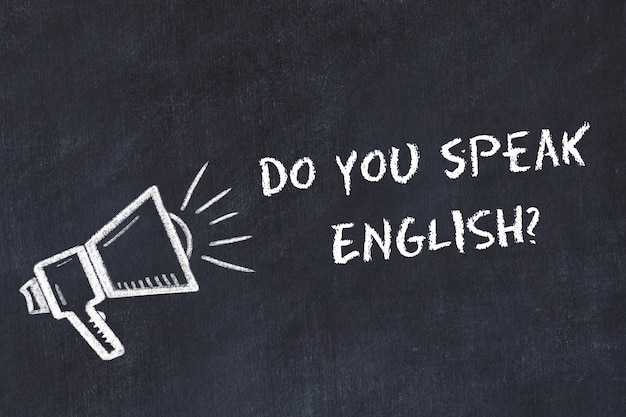 Fremdsprachenkonzept lernen. kreidesymbol des lautsprechers mit phrase sprechen sie englisch