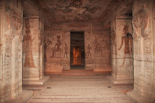 Fresken im tempel abu simbel ägypten