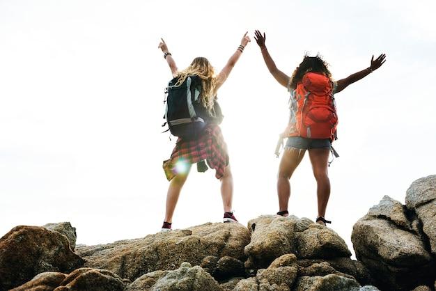 Freunde, die zusammen reisen