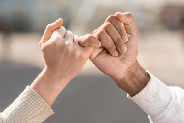 Freunde kleiner versprechen