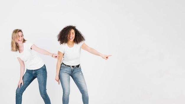 Freunde tanzen disco-tanz