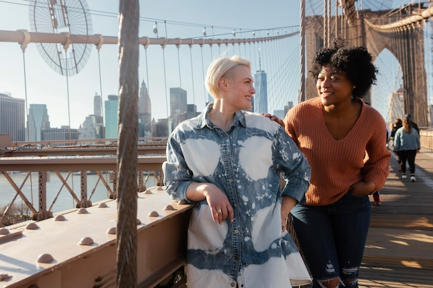 Freunde versammeln sich in new york
